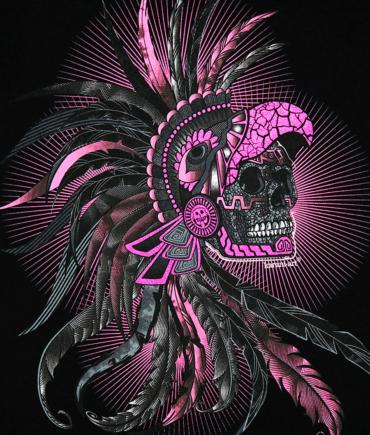 Playera-mujer-negro-craneo-penacho-detalle