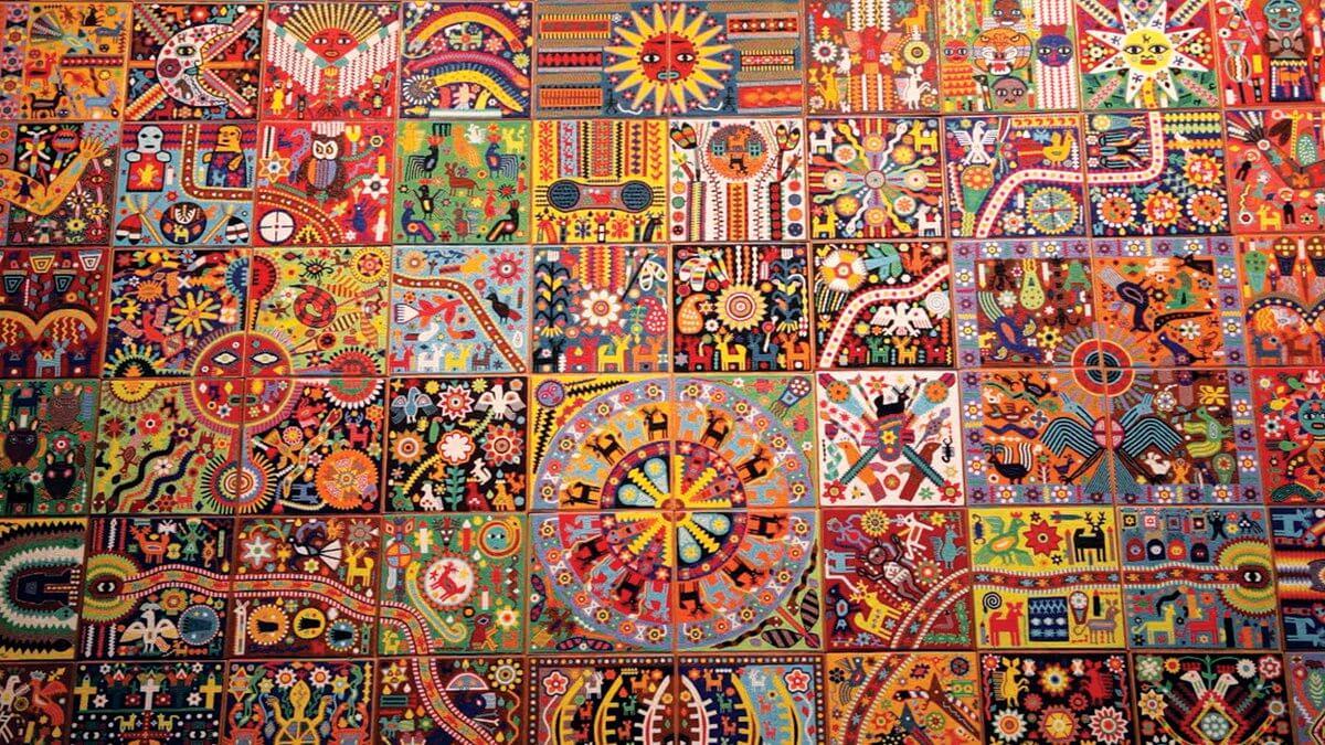 Mural pensamiento y arte huichol