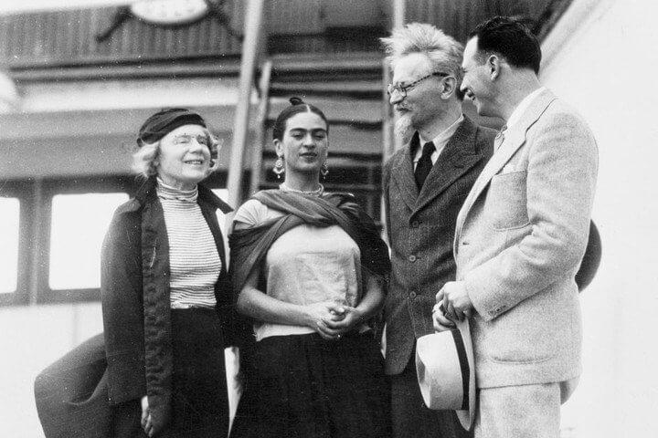 Frida Kahlo con el líder comunista León Trotsky