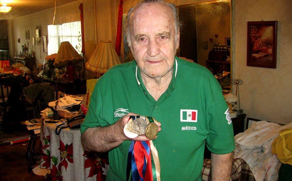 Medallas de Joaquín Capilla para México en Juegos Olímpicos